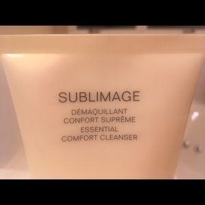CHANEL Makeup - Chanel Sublimage Comfort Cleanser